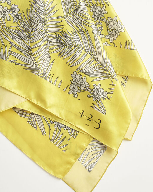 Ambrine yellow floral printed square scarf in silk (1) - 1-2-3