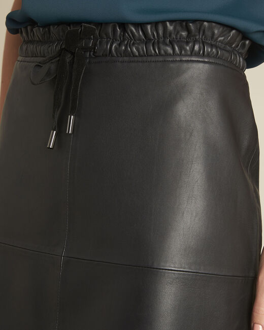 Jupe noire en cuir lisse Atila (2) - 1-2-3