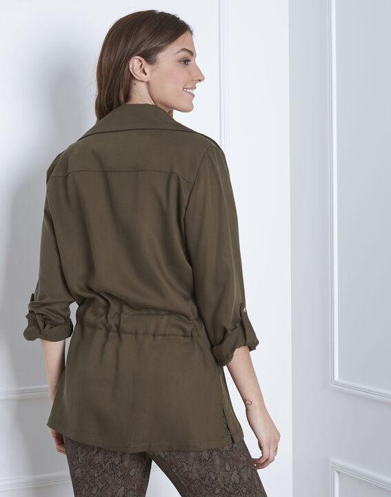 Weich fallende, kakifarbene Jacke mit Ösen-Details Felicita (4) - Maison 123