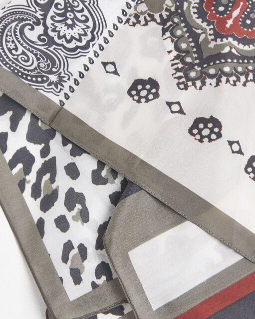 Carré de soie nude imprimé animal et graphique Famy (1) - 1-2-3