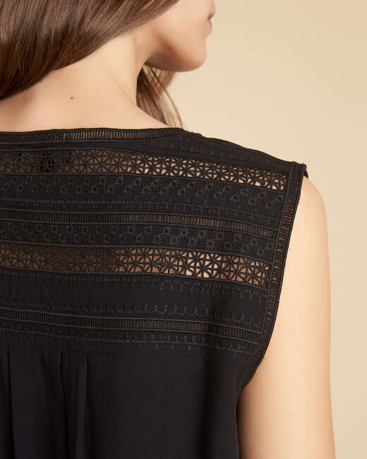 Geden V-neck black top with embroidery (1) - 1-2-3