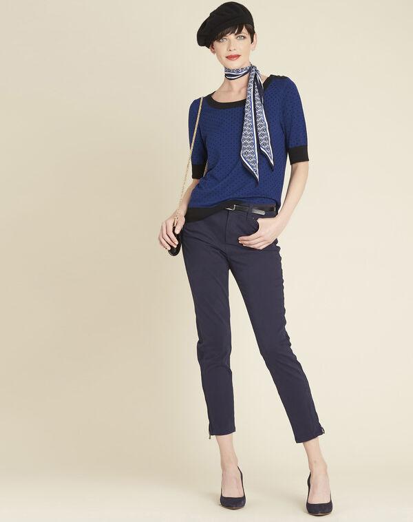 Blauwe trui met stippen en contrasterende ribboorden Becca (2) - 37653