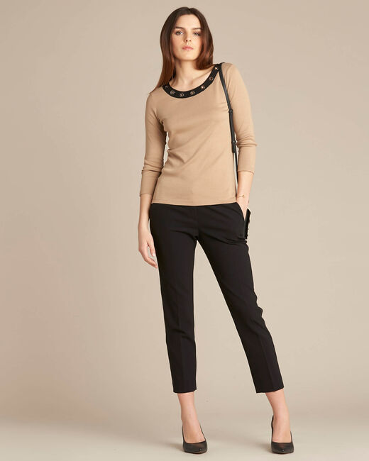 Basic camel T-shirt with rounded neckline and eyelets (1) - 1-2-3