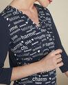 Donkerblauwe blouse met print Amour (3) - 37653