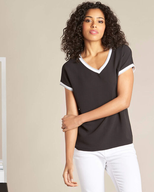 Gauttier V-neck black T-shirt with silver trim (2) - 1-2-3