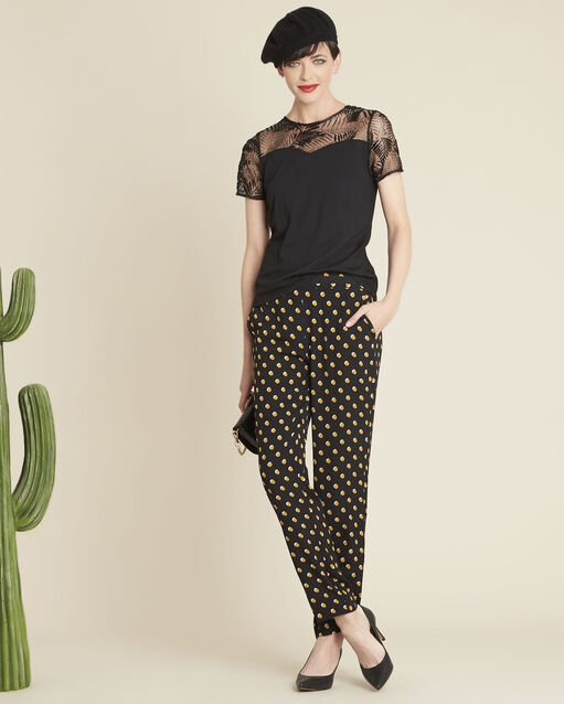 Tee-shirt noir encolure dentelle Glamour (2) - 1-2-3