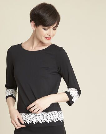Gentle black t-shirt with lace insert black/white.