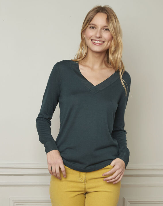 Bergamote green V-neck viscose blend pullover (2) - Maison 123