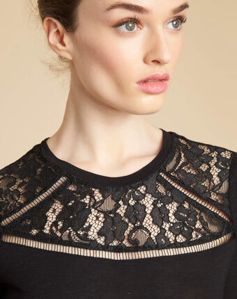 Envy black t-shirt with rounded lace neckline black.