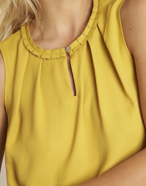 Fanette yellow top with decorative neckline (3) - 1-2-3