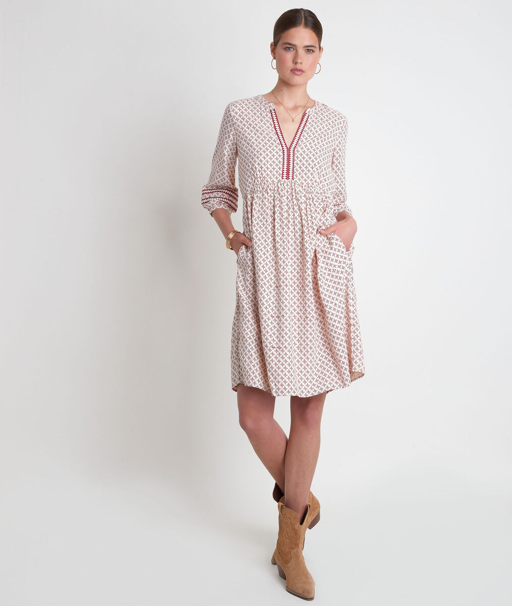 Robe courte et fluide imprimée écrue et bordeaux Suzanne PhotoZ   1-2-3