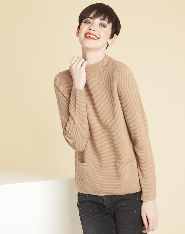 Beige trui van dun tricot met opstaande kraag Belize (1) - 37653