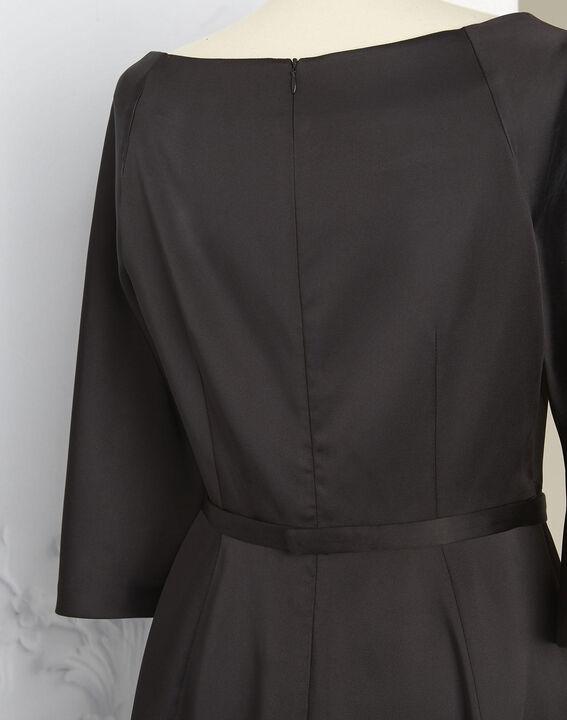 Robe noire satin col bateau Nicole - EXCLU WEB (5) - 1-2-3