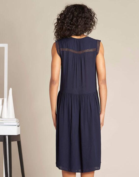 Fließendes marineblaues Kleid mit Ajour-Details Playa (4) - 1-2-3