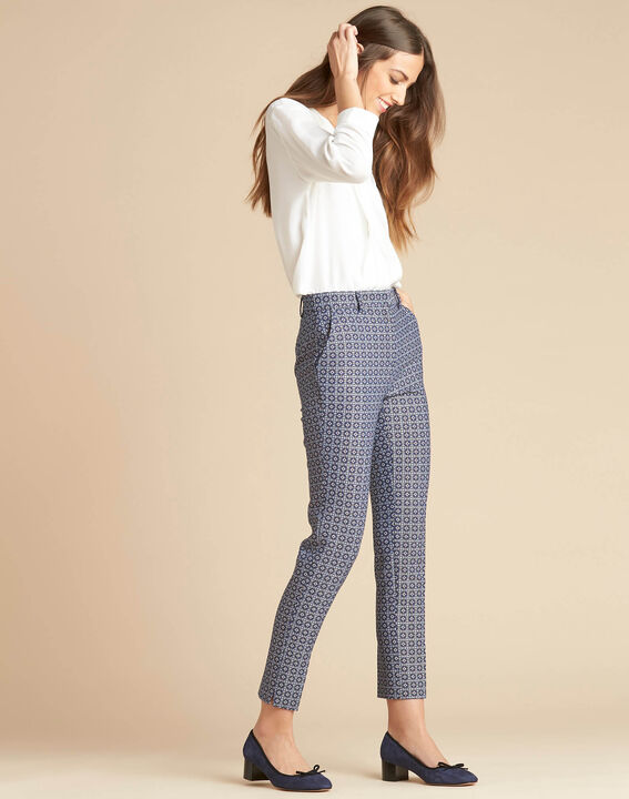 Viva 7/8 length slim-cut trousers with graphic print (3) - 1-2-3