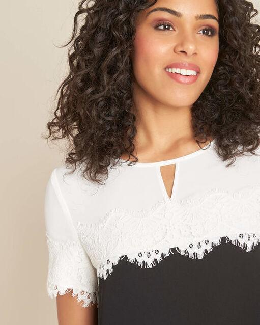 Robe noir & blanc encolure dentelle Illona (2) - 1-2-3