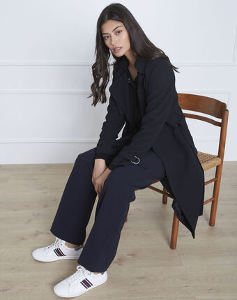 Langer schwarzer mantel mit reverskragen klara schwarz.