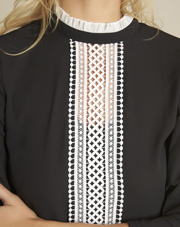 Cunegonde black blouse with lace neckline  (2) - 1-2-3