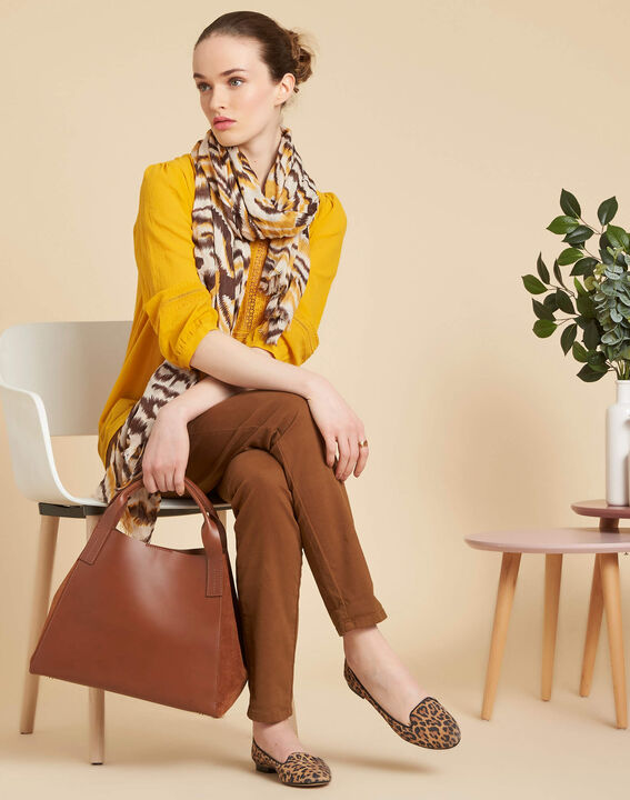 Sjaaltje met karamelkleurige dierenprint Altesse (3) - Maison 123