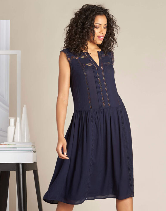 Fließendes marineblaues Kleid mit Ajour-Details Playa (3) - 1-2-3