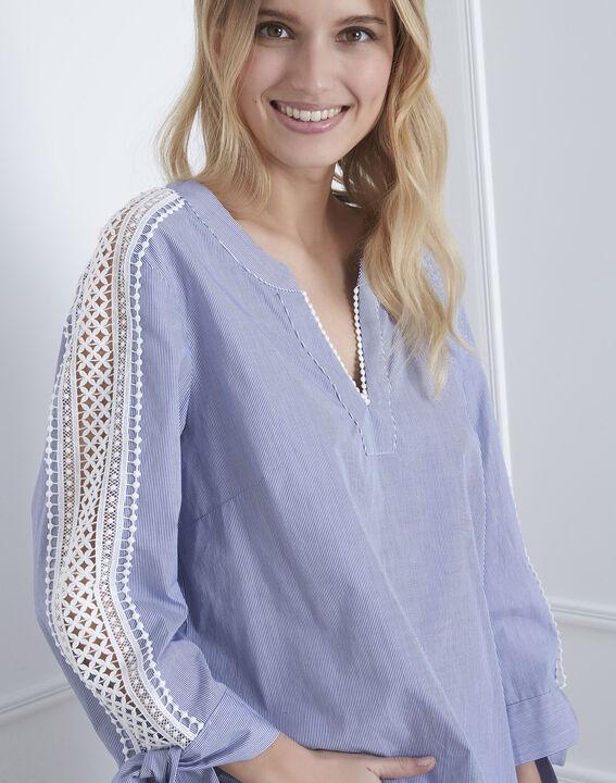Hemelsblauwe blouse met macramé Vike (3) - Maison 123