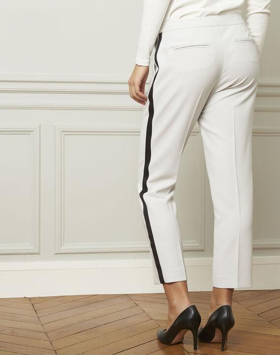 Suzanne pale grey trousers with a black microfibre band (3) - 1-2-3
