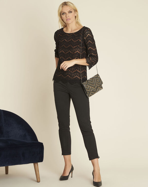 Zwarte blouse van gevoerde kant Geraldine (2) - 37653