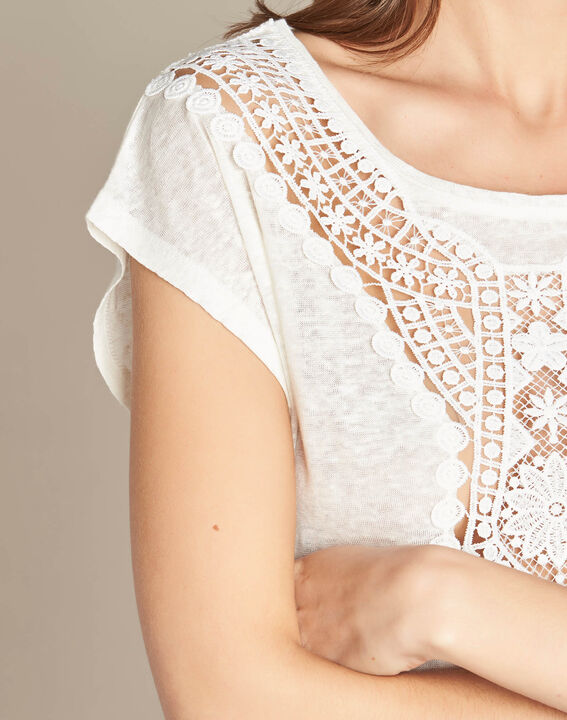 Elise ecru linen T-shirt with lace on the neckline PhotoZ | 1-2-3