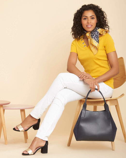 Basic yellow T-shirt with eyelets on the V-neckline (1) - 1-2-3