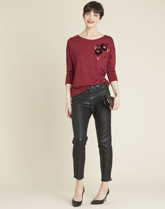 Gini embroidered red t-shirt dark red.