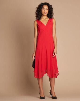 Robe rouge mi-longue dansante en soie foret grenade.