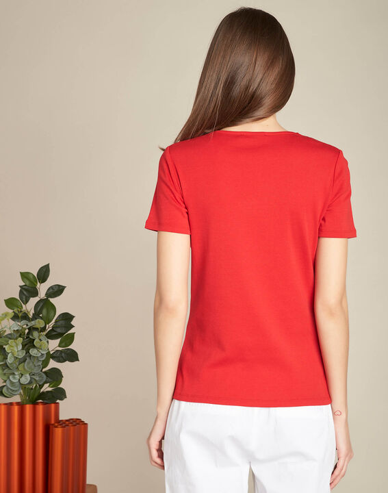 Basic red T-shirt with eyelets on the V-neckline (4) - 1-2-3