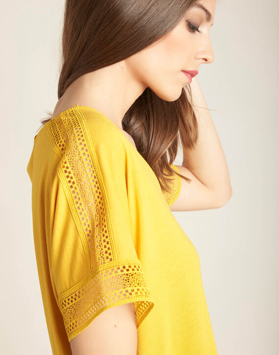 Tee-shirt jaune en dentelle Estelle PhotoZ | 1-2-3