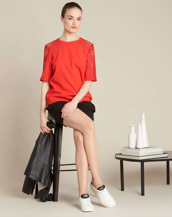 Gastel red lace top red.