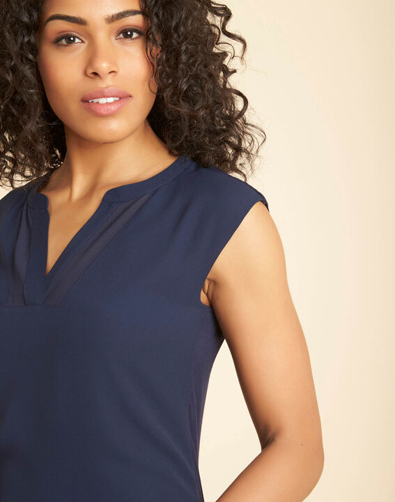 Bianca navy blue dual-fabric T-shirt with short sleeves and fishnet neckline PhotoZ | 1-2-3