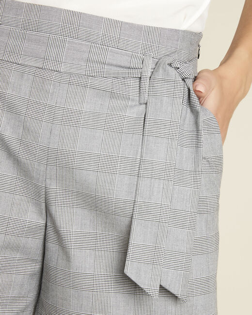 Sun grey shorts with Prince of Wales design and belt (2) - 1-2-3