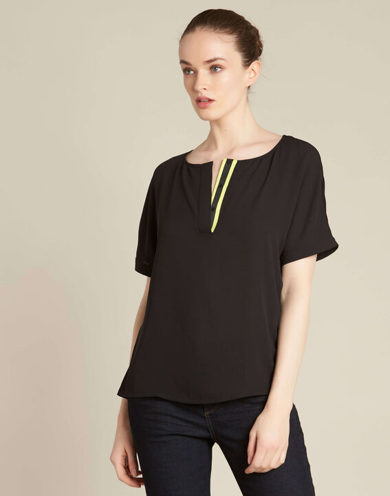 Garry black blouse with contrasting neckline (3) - 1-2-3