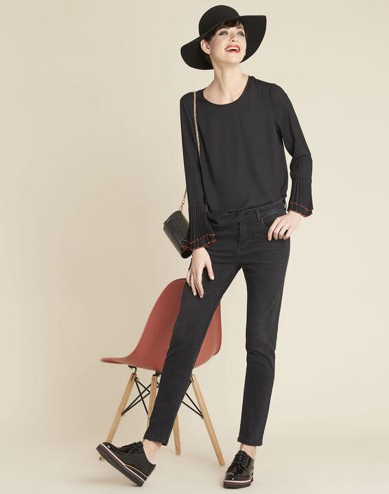 Zwarte blouse met sieraaddetails Caroline (3) - 37653