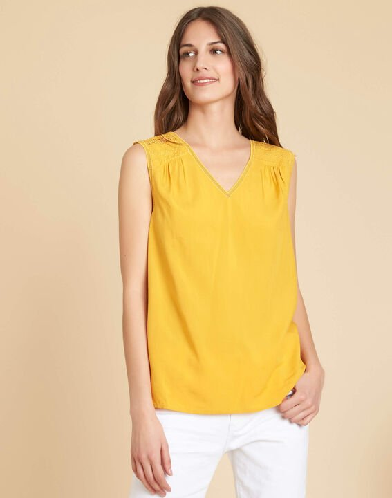 Geden yellow V-neck embroidered top (3) - 1-2-3