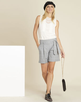 Sun grey shorts with prince of wales design and belt light chine.