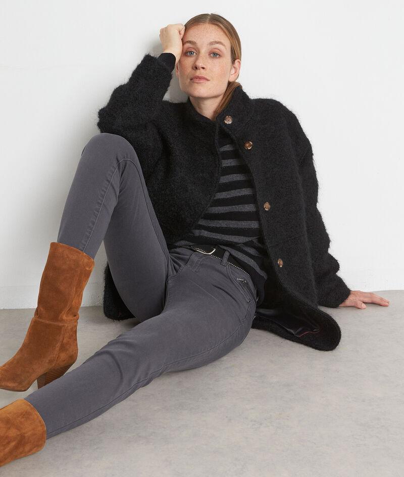 Zwarte korte mantel van getextureerde wol Lamia PhotoZ   1-2-3