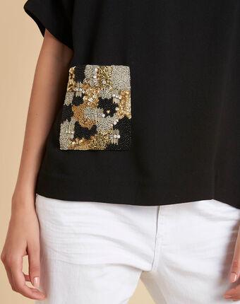 Gwen black t-shirt with beaded pocket black.
