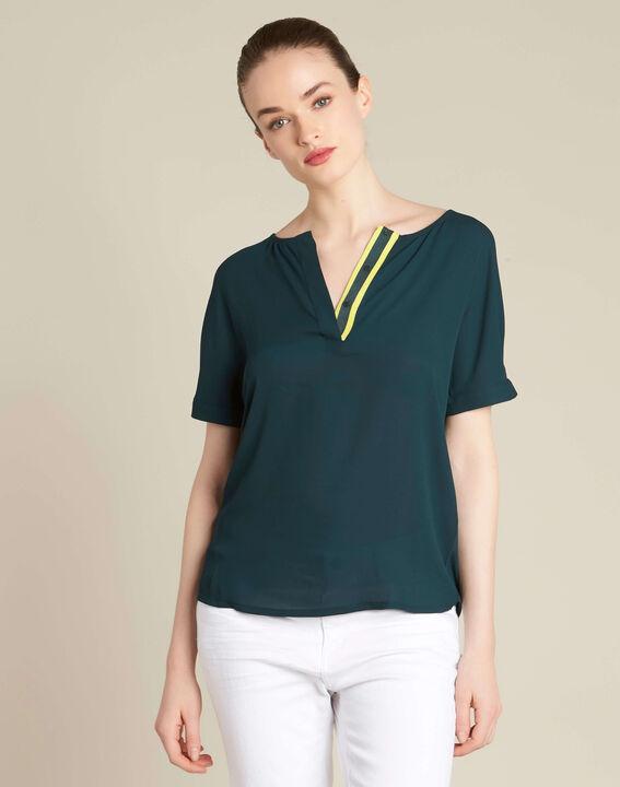 Tannengrüne Bluse mit kontrastierendem Ausschnitt Garry (3) - 1-2-3