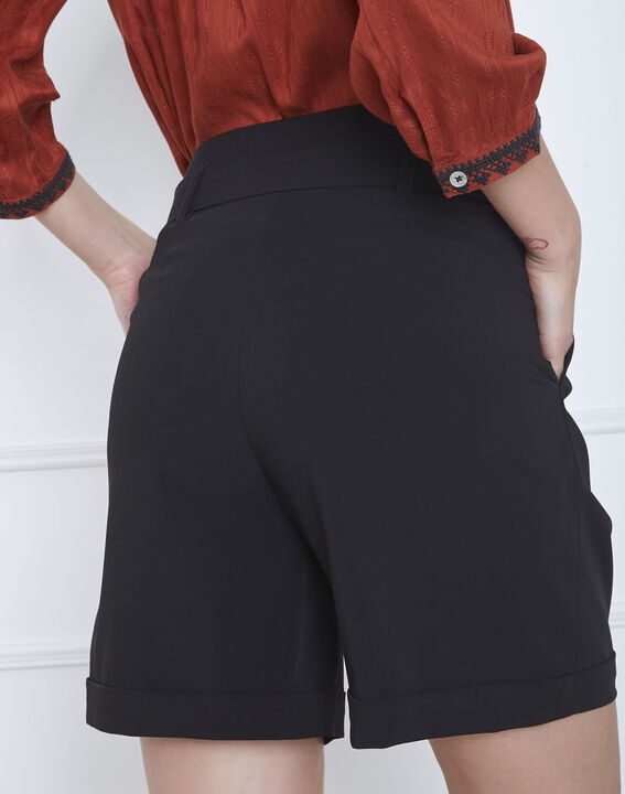 Schwarze Shorts mit Gürtel Sun (4) - Maison 123