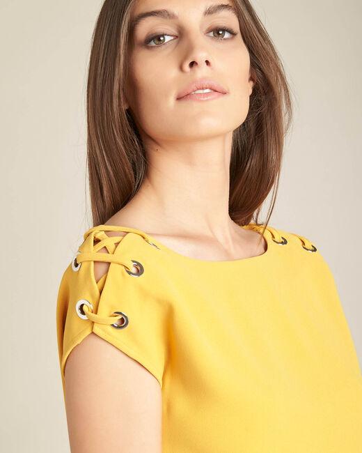 Gelbe Bluse mit Ösen und Schnüren Germina (1) - 1-2-3