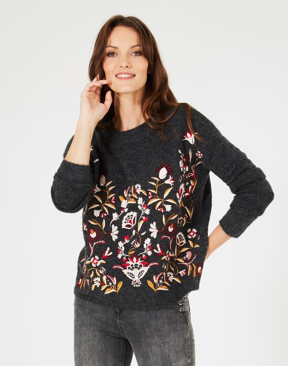 Grauer Pullover mit Stickerei Nastasia (2) - 1-2-3
