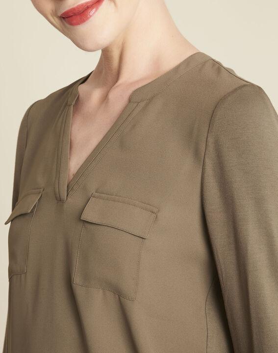 Kaki T-shirt uit twee materialen met Tunesische kraag Genna (3) - 37653