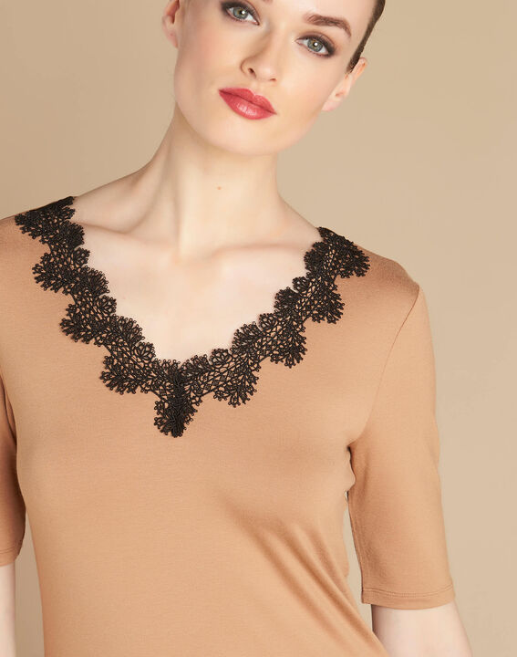 Eloge camel T-shirt with rounded lace neckline PhotoZ | 1-2-3