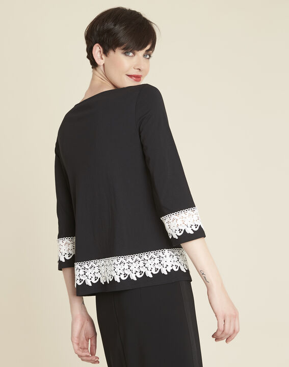 Gentle black T-shirt with lace insert (4) - 1-2-3