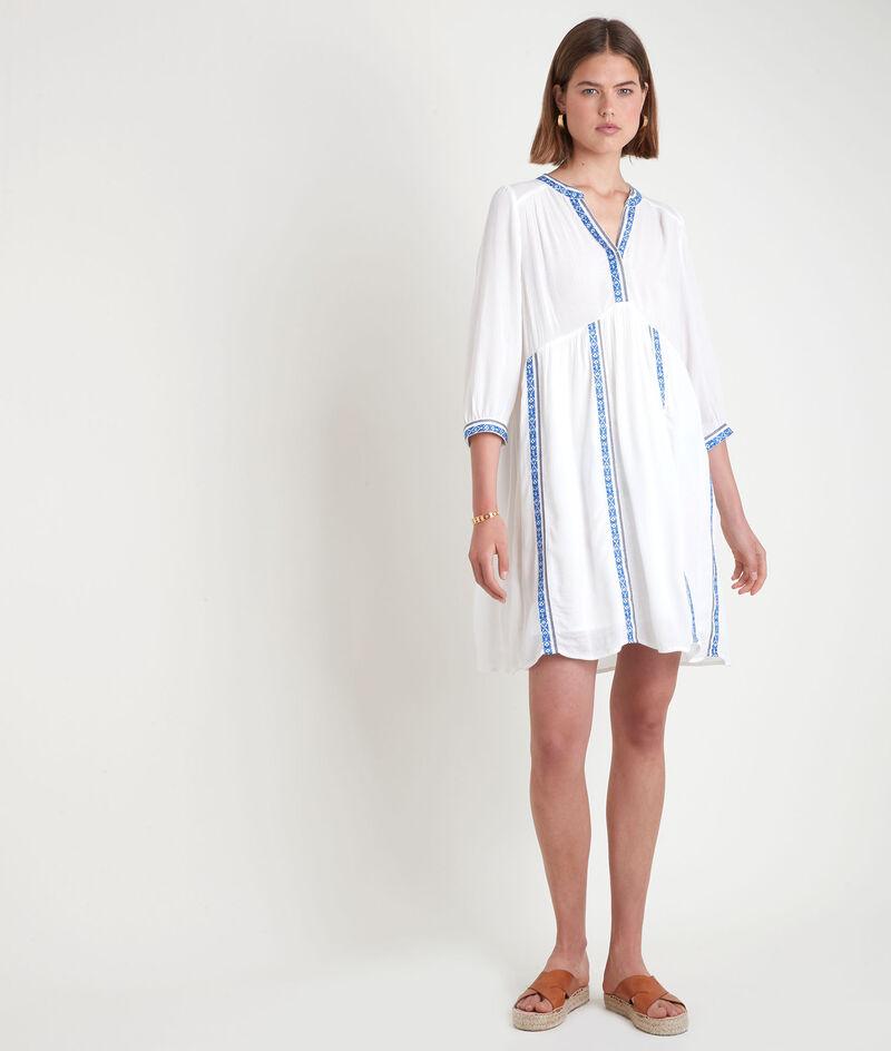 Robe courte fluide et brodée blanche Stella PhotoZ | 1-2-3